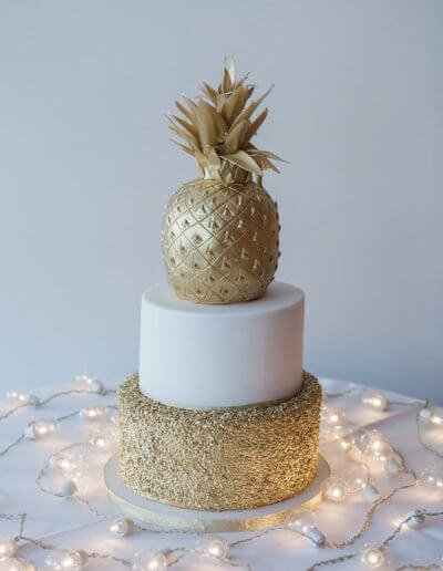 Gold pineapple wedding cake