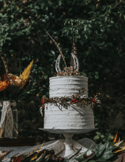 Butter cream wedding cake countryside style