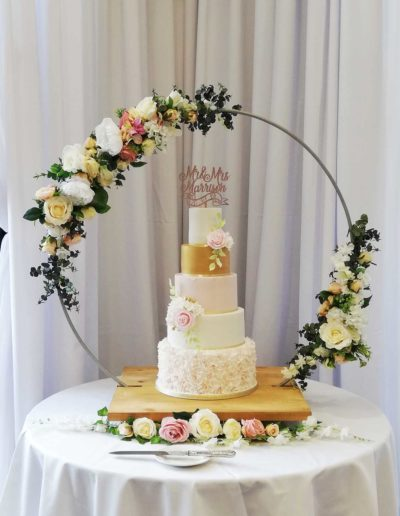 Hoop wedding cake stand