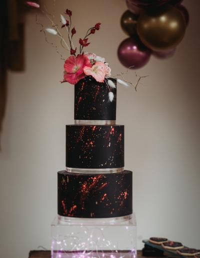Moder_pink_wedding_cake